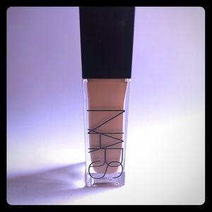 NARS Natural Radiant Longwear Foundation